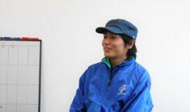 写真1 インタビュー中の伊藤さん